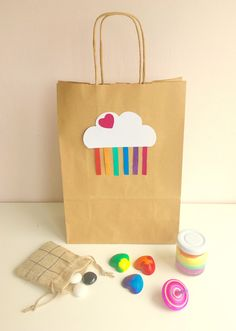 Pre-Filled Eco-friendly Party Bags - Rainbow Theme - No plastic - Personalised - Pre-Filled Eco-friendly Party Bags - Rainbow Theme - No plastic - Personalised Source by Rainbow Theme, Rainbow Birthday, 7th Birthday, Party Gift Bags, Party Gifts, Childrens Party Bags, Kids Bags, Kids Party Bags, Party Bag Fillers