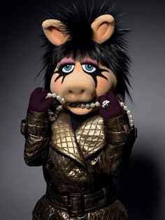 one of the best plus size icons there is. I <3 Miss Piggy!
