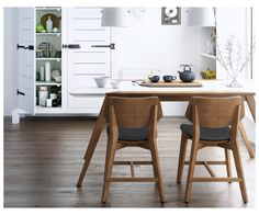 The functional and fabulous Kure Eric 5 Piece Dining Table Set with Kasper Chairs exudes Nordic style. This sleek set includes a table and four chairs. Scandinavian Dining Table, Scandinavian Furniture, Scandinavian Design, Mid Century Dining Chairs, Mid Century Furniture, Mid Century Modern Kitchen, 5 Piece Dining Set, Dining Nook, Dinning Table