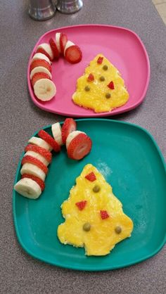 Banana, strawberry candy cane, Christmas tree shaped eggs, healthy, fun breakfast. North Pole Breakfast, Best Breakfast, Breakfast Ideas, Vintage Christmas, Christmas Tree, Tree Shapes, Christmas Breakfast, Creative Food, Christmas Inspiration