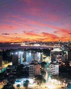 La costa de #Montevideo, al anochecer.