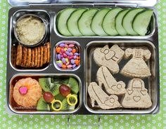 PlanetBox - Ladies Who Lunch - Mother's Day Party school lunch School Lunch Recipes, Lunch Box Recipes, School Lunches, Lunch Ideas, Bento Ideas, Picnic Lunches, Lunch Snacks, Box Lunches, Healthy Meals For Kids