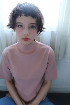 スタイリスト:田前 恵 beltaのヘアスタイル「STYLE No.24176」。スタイリスト:田前 恵 beltaが手がけたヘアスタイル・髪型を掲載しています。