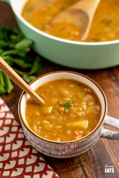 Slimming Eats - Delicious Slimming World and Weight Watchers Recipes astuce recette minceur girl world world recipes world snacks Chunky Vegetable Soup, Veg Soup, Vegetable Soup Recipes, Vegetarian Recipes, Cooking Recipes, Healthy Recipes, Vegetarian Soup, Free Recipes, Healthy Food