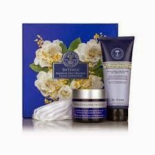 Fine Carefully Crafted Organic Products Our organic innovation has been scientifically formulated with skin-strengthening and plumping gardenia plant stem cells, a line-smoothing 3-peptide complex and firming ...Fair Wild certified organic frankincense. https://us.nyrorganic.com/shop/lorensheaanderson