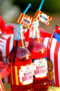 CIRCUS Party - Straw Flags #SocialCircus