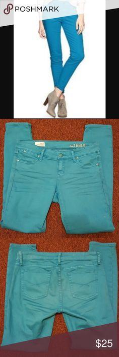 GAP ALWAYS SKINNY TURQUIOSE BLUE JEANS GAP Always skinny bright blue jeans. Size 26/2. Great condition. GAP Jeans Skinny