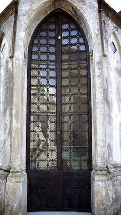 Argentina Door by PR-4U, via Flickr