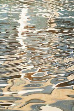 Resultado de imagen para reflections in water/23