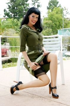 Pinup Fashion: love her army green dress.