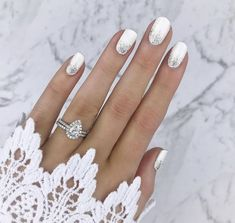 This is the manicure the chicest brides will be… 35 Simple Ideas for Wedding Nails Design 1 Simple Wedding Nails, Wedding Manicure, Wedding Nails For Bride, Wedding Nails Design, Bride Nails, Wedding Art, Beach Wedding Nails, Fall Wedding, Winter Wedding Nails