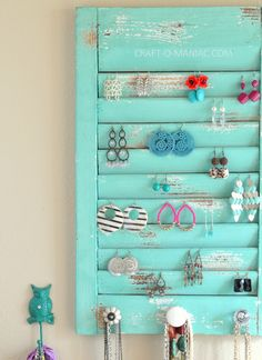 Shutter for earring hook earrings! #organization
