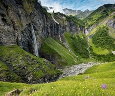 Hotel Breaks, Switzerland Tourism, Swiss Travel, Tourist Office, Travel Expert, Beautiful Landscapes, Waterfall, Places To Visit, Hiking