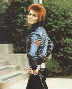 Friday Strut  We miss and love you Ziggy #DavidBowie #Bowie #BowieForever #Ziggy #Starman