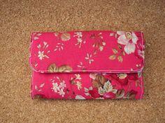 As Malas da Bi: Carteira com tecido muito florido!