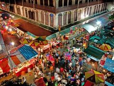 Crazy packed Chinatown during Chinese New Year! Singapore