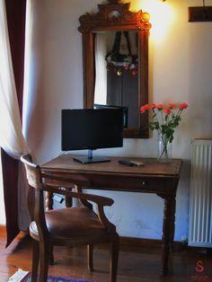 souliotis mansion Greece Holiday, Office Desk, Corner Desk, Cottage, Holidays, Mansions, House, Furniture, Home Decor