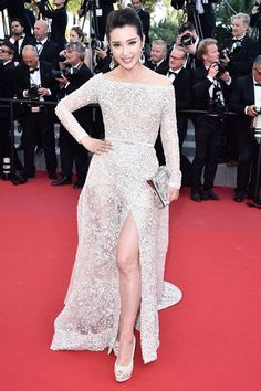 Li Bingbing in Elie Saab Couture - 2015 Cannes Film Festival Elie Saab, Elegant Dresses, Pretty Dresses, Cannes Film Festival 2015, Cannes 2015, Belle Silhouette, Glamour, Chanel, Hollywood Fashion