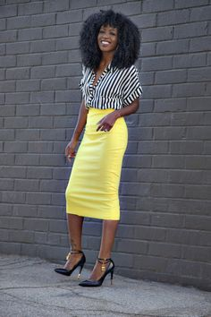 This could be an amazing office outfit. Gotta love a pop of colour with the white and black – Striped shirt x Pencil Skirt Fashion Moda, Work Fashion, Skirt Fashion, Daily Fashion, Womens Fashion, 2000s Fashion, Fashion Jewelry, Skirt Outfits, Cute Outfits
