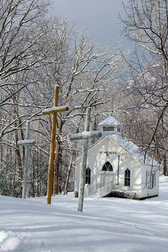 Old Country Churches, Old Churches, Country Roads, My Father's House, Church Pictures, Snow Pictures, Take Me To Church, Church Building, Church Architecture