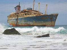 Wrecks Photography – the Memorable Remnants of the Former Glory
