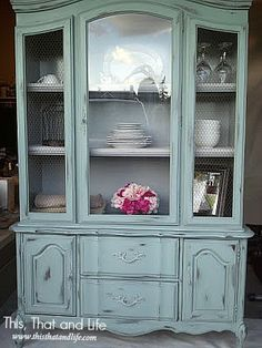 PERFECT for a beach house! ICS DIY French Hutch Makeover--one of the hutches that matches my dining room! (French Court)