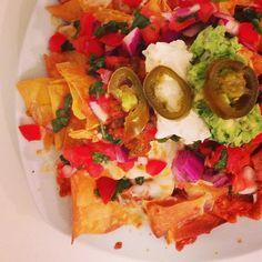 #madrid We're celebrating the weekend with #nachos tonight at La Gringa! # @lagringamadrid  #condeduquegente #lagringamadrid #Malasaña #condeduque #nachos #tgif #friday #viernes #weekend #finde #weekendsatlagringa #mexican #beer #cervesa #tacos #burritos #avacado #guac #instafood