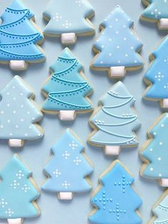 Sugar Cookies are SOLD OUT for the year! Thanks for your support! I'll be back baking in Feb 2019 This listing includes 1 dozen tree cookies. These festive cookies can be done in any colors youd like! Cant decide on colors? Christmas Tree Cookie Cutter, Christmas Sugar Cookies, Christmas Sweets, Holiday Cookies, Christmas Baking, Simple Christmas, Blue Christmas, Christmas Biscuits, Christmas Crafts