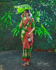 padma's media statistics and analytics Wedding Couple Poses Photography, Rain Photography, Indian Photography, Photography Lessons, Girl Photo Shoots, Girl Photo Poses, Girl Photos, Beautiful Girl Indian, Beautiful Saree