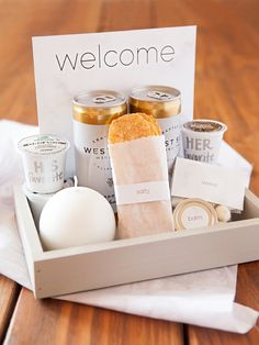 Wedding Gifts Diy How to make the most darling modern wedding, hotel welcome gifts! - In this post we break down a list of items to include in your unique wedding welcome gift. plus gift ideas in beach, boho and modern wedding themes! Wedding Welcome Baskets, Wedding Gift Baskets, Wedding Welcome Gifts, Wedding Gift Bags, Wedding Gifts For Guests, Wedding Anniversary Gifts, Wedding Souvenir, Wedding Favors, Anniversary Ideas