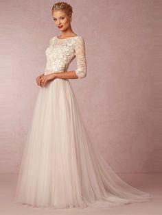 Ivory A-linje/Prinsessa Rund Tyll 3/4-dels Ärm Applikationer Court Train Bröllopsklänningar för 5408kr
