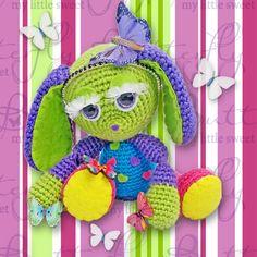 Gehaakt met het geweldige patroon van Crochessie by Esther Emaar, Minirumi MaraBelly. Informatie over het patroon onder andere via: https://www.facebook.com/groups/fantirumiandmore/
