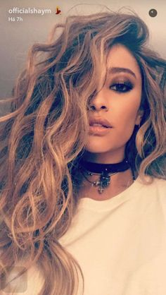 Brown Wigs Lace Hair Blonde Wig Youthful Hairstyles Over 50 360 Frontal Sams Wigs Dark And Blonde Hair I Have Long Hair Pompadour Men Hairstyles Over 50, Pretty Hairstyles, Shay Mitchell Hair, Emily Fields, Curly Hair Styles, Natural Hair Styles, Make Up Inspiration, Lace Hair, Blonde Wig