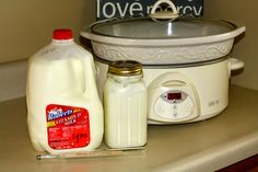 to make Greek Yogurt in the Crockpot Crockpot greek yogurt- do this but add 3 cups of nonfat dry milk so you dont have to strain it.Crockpot greek yogurt- do this but add 3 cups of nonfat dry milk so you dont have to strain it. Whey Recipes, Homemade Yogurt Recipes, Greek Yogurt Recipes, Real Food Recipes, Healthy Recepies, Homemade Cheese, Homemade Baby, Siggis Yogurt, Make Greek Yogurt
