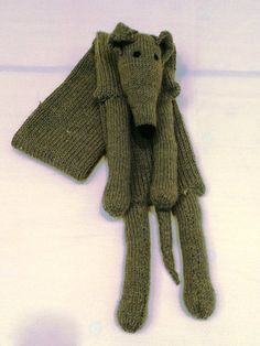 DIY Greyhound Scarf - Knitting Pattern here http://www.greyhounds4me.co.uk/knitting-patterns/