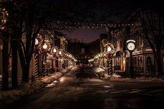 Virginia's Beautiful Holiday Main Streets - Main Street, Front Royal