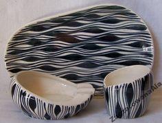 POPIELNICA WZÓR NR 229 JAN SOWIŃSKI 1958 WŁOCŁAWEK Poland Mid Century Design, Vintage Home Decor, Pattern Art, Textures Patterns, Ceramic Pottery, New Look, Mid-century Modern, Black White, Art Deco