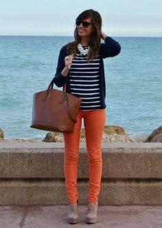 С чем носить оранжевые брюки? 30+ бомбовых образов