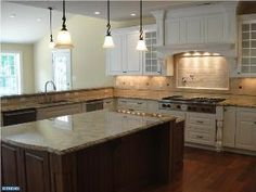 Great kitchen in this 4 beds, 5 baths home in Lower Gwynedd #Montcopa
