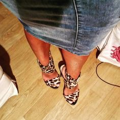 Leopard high heels for tonight!!