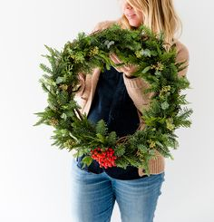 DIY Holiday Wreath Tutorial | The Fresh Exchange