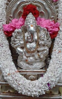 Shri Ganesh Images, Shiva Parvati Images, Lakshmi Images, Ganesha Pictures, Ganesh Chaturthi Decoration, Happy Ganesh Chaturthi Images, Clay Ganesha, Lord Ganesha, Jai Ganesh