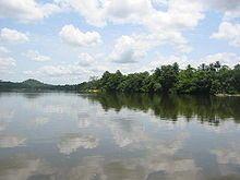 """Sierra Leona -Isla Tiwai - La isla de Tiwai (Mende para la """"isla grande"""") es un santuario de la fauna y un sitio turístico en Sierra Leone."""