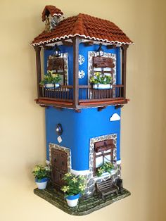 MANUALIDADES LA ANDALUZA: TEJAS Fun Crafts, Diy And Crafts, Clay Flower Pots, House Cake, Clay Houses, Garden Whimsy, Clay Tiles, Fairy Garden Houses, Glitter Houses