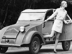 The Citroen was a wonderful example of a radical but honest approach to car design - as it's rarely seen anymore, if ever. Citroen Concept, Concept Cars, Manx, 2cv6, Citroen Car, Unique Cars, Car Girls, Car Humor, Amazing Cars