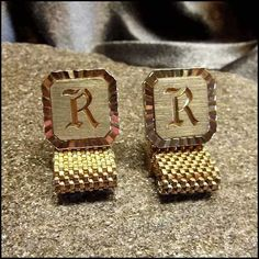 Vintage Cufflinks Swank Gold Monogram Initial R 1960s Mens Jewelry http://www.greatvintagejewelry.com/inc/sdetail/vintage-cufflinks-swank-gold-monogram-initial-r-1960s-mens-jewelry-/17489/18814