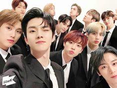 Facial Proportions, Bloom Baby, Star Awards, Picture Credit, Pop Singers, Kpop Boy, Boyfriend Material, Jaehyun, Korean Boy Bands