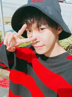 ❝ welcome to the lucky charm hotline. start chatting now! ❞ + sns spin off dedicated to nctツ + sequel available now Taeyong, Jaehyun, Nct 127, Winwin, K Pop, Wattpad, Christian Boyfriend, Kim Dong Young, Nct Doyoung