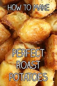 How to make absolutely PERFECT roast potatoes! They're so crispy on the outside, and perfectly fluffy inside. So easy, and SO delicious! Perfect Roast Potatoes, Crispy Roast Potatoes, Jamie Oliver Roast Potatoes, Sunday Roast Potatoes, Crispy Breakfast Potatoes, Garlic Roasted Potatoes, Vegetarian Recipes Easy, Kitchen, Recipes