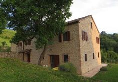 Restoring an old house in Le Marche
